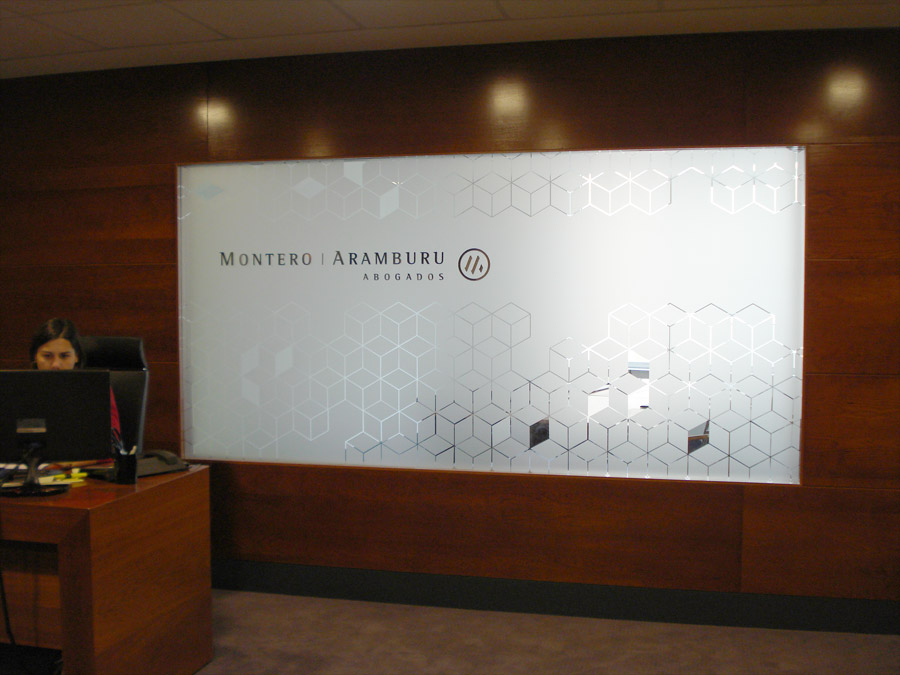 Montero aramburu huelva buenasenda proyecto gr fico sevilla for Diseno de oficina para abogados